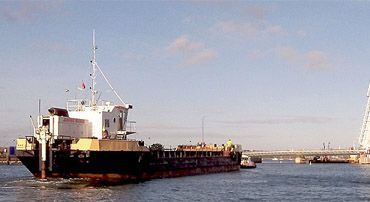 needles split hopper barge vessels