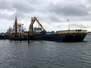 Doreen Dorward Dredging workboat loading Nab Split hopper Barge Cobbs Quay Marina