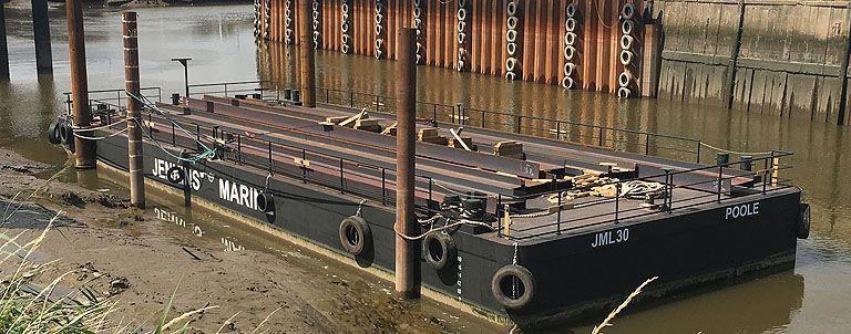 jml30 30m pontoon barge with spudlegs