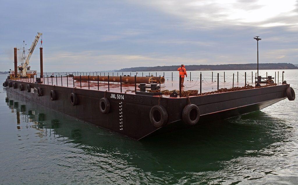 JML 5014 50mx14mx3m flat top pontoon barge with 18m spud legs onboard 1024x637